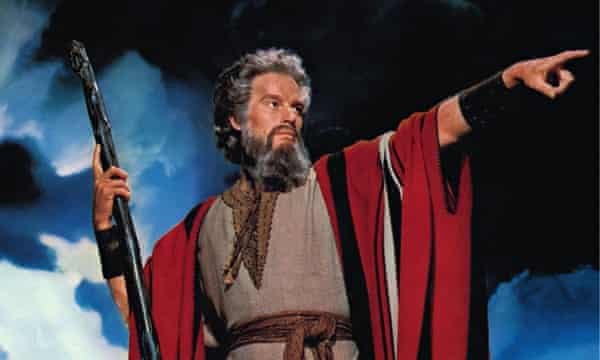 Charlton-Heston-as-Moses--010